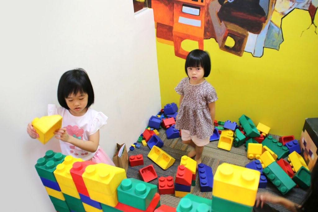 Bricks4Kidz-PIK-Indonesia